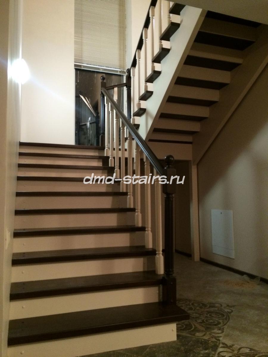 Двухмаршевые деревянные лестницы